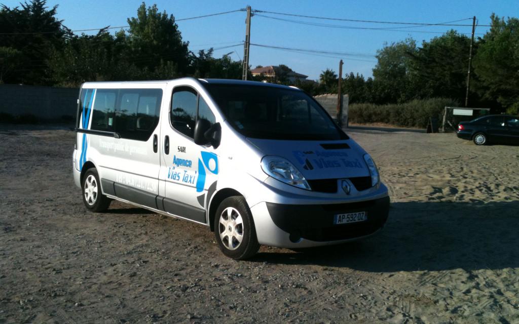 vias taxi Touran 3